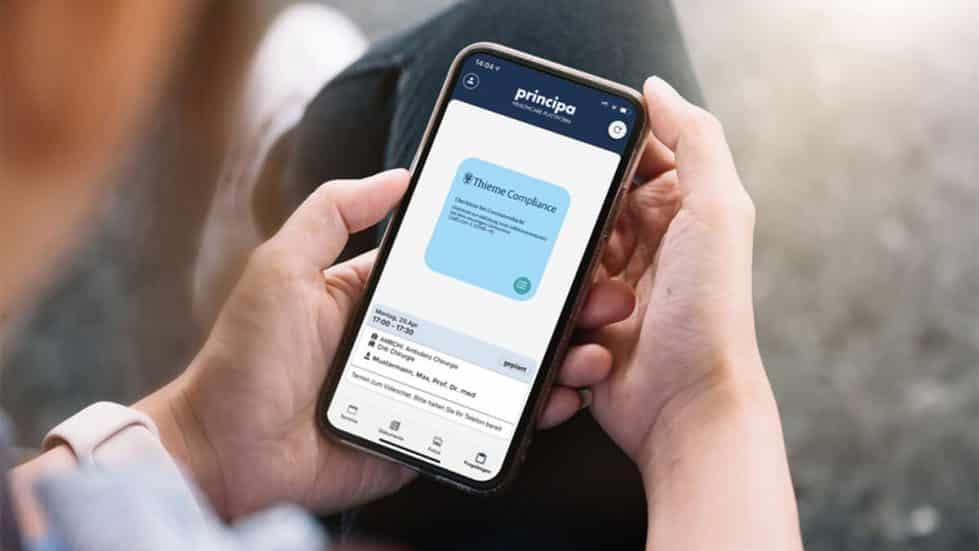 principa App mit Thieme Fragebogen auf Smartphone